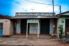 VFs-7331 (luizdaluz) Tags: cidade brazil 3 brasil casa bonito vila coisas vida popular periferia decorao morro 002 vf bairro pequeno barraco simples ladeira goiania goias habitao comodos finsocial