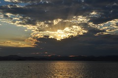 """""""Days Like This"""" (Ruby Augusto) Tags: sunset clouds bay hills pôrdosol southernbrazil cacupésc"""