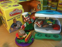 George Foreman Grill Play Doh Set (JeepersMedia) Tags: grill playdoh playdough georgeforeman youtube thetoychannel mikedozart