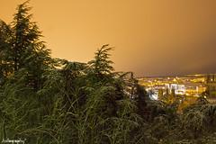 Luces de noche. (Jostography) Tags: espaa luz canon eos noche spain ciudad 18 55 burgos resplandor 100d jostography