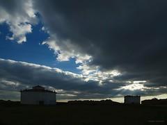 Al caer la tarde (anpegom) Tags: sol atardecer nubes crepusculo rayos palencia castillayleón palomares tierradecampos pedrazadecampos anpegom