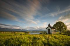 Riegsee (thomasfejeregyhazy) Tags: sunset lake flower church nature clouds landscape bayern bavaria see sonnenuntergang outdoor wolken blumen landschaft kapelle riegsee