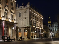 Nancy Place Stanislas 2 (wulfwalker) Tags: urban france night licht frankreich noir place nacht outdoor nancy stadt architektur nuit gebude patz placestanislas stdtebau landstrase
