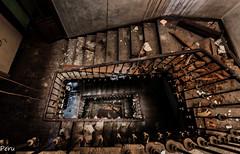 Vertigo (Perurena) Tags: wood stairs luces madera decay ruinas sombras escaleras abandono urbex barandilla hueco vandalismo peldaños