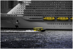 Rotterdam Water Taxi next to the 'Harmony of the Seas' Cruise Ship  Young photographer [Explored, 2016-05-26] (Luc V. de Zeeuw) Tags: cruise harmonyoftheseas liferaft lifeboat newmeuse rotterdam watertaxi zuidholland netherlands