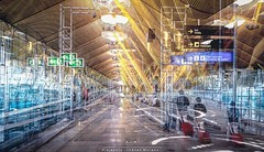 """3:20pm en Madrid, luego de un vuelo de 9 horas que me dormí mínimo 8!...   Esperando en la Terminal 4S de Barajas en las puertas """"M"""" a tomar el vuelo para París (Orly)  #travel #madrid #barajas #aeropuerto #terminal #blackandwhite #multipleexposure #multi (www.GoAndRide.co) Tags: madrid travel españa square airport sony squareformat aeropuerto t4 terminal4 blending barajas multipleexposures iphoneography instagramapp multipleexpousures múltipleexposures"""