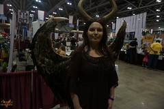 Planet Comicon Kansas City 2016 Cosplay (V Threepio) Tags: girl costume outfit midwest geek cosplay posing dressup kansascity cosplayer comiccon comicconvention maleficent 2016 planetcomicon sonya6000