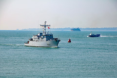 M647 L'Aigle (Rob_Pennycook) Tags: france fort navy solent portsmouth naval warship hovercraft minesweeper frenchwarship m647