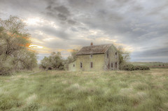 this old house in white butte (Father Tony) Tags: sunset abandoned southdakota canon adobephotoshop prairie canoneos50 alienskinexposure canonefs1755mmf28isusm perkinscounty ortoneffect