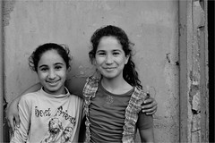 .1.9.4. (la_imagen) Tags: street people blackandwhite bw turkey child trkiye streetlife istanbul kinder menschen trkei sw sleymaniye ocuk insan turqua sokak siyahbeyaz streetandsituation istanbullovers
