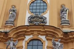 Stift Melk - Austria (Been Around) Tags: oktober canon eos austria sterreich october europa europe catholic eu monastery canoneos barock niedersterreich europeanunion melk kloster wachau autriche austrian aut stiftmelk stift katholisch benediktiner loweraustria n 2013 onlyyourbestshots img9591 concordians expressyourselfaward benediktinerstiftmelk eos600d