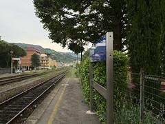 Rufina_e-m10_1005095535 (Torben*) Tags: italien italy bahnhof trainstation tuscany bahnsteig toskana rufina platfrom rawtherapee olympusm17mmf18 olympusomdem10