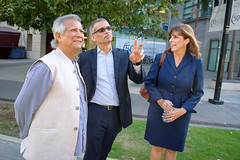 Muhammad Yunus Visit (83 of 92) (calit2) Tags: june demo san diego visit speaker commencement visualization muhammad ucsd yunus calit2 2016 ucsandiego muhammadyunus qualcomminstitute