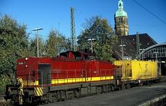 203 004  Krefeld  18.11.05 (w. + h. brutzer) Tags: analog train germany deutschland nikon eisenbahn railway zug trains krefeld locomotive lokomotive diesellok ebm eisenbahnen dieselloks webru