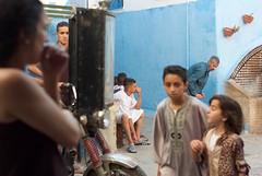 de camino a la Kasbah (2os) Tags: street boy morocco tanger kasbah