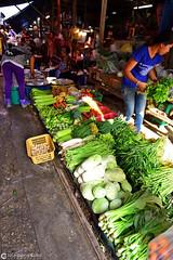 13-03-24 Thailandia (42) Bangkok R01 (Nikobo3) Tags: travel people color tren nikon asia bangkok ngc markets social viajes thailandia gentes culturas d800 twop mercados maeklong omot nikon247028 nikond800 flickrtravelaward nikobo josgarcacobo mercadomaeklong