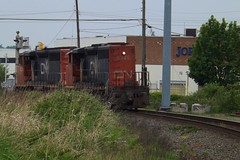 CN power move (Derek.Nelson.) Tags: canada cn bc canadian langley cnr canadiannational cnrail gmd sd402 sd402w