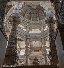 20130317_1326_Udaipur_Ranakpur_Tempel.jpg (thomas.dose) Tags: räume architektur tempel kategorie