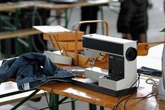 Linzfest 2013 -Tag 2 (austrianpsycho) Tags: linz hose jeans pfaff maschine reparieren linzfest nähmaschine 19052013 linzfest2013 tipmatic1027