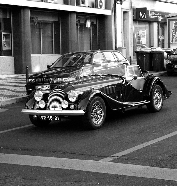 street blackandwhite portugal car blackwhite automobile lisboa lisbon streetlife vehicles coche carros automobiles streetshot streetimages lisboanarua autoglamma avderoma worldcars blackandwhiteonly streetpassionaward carrosemportugal