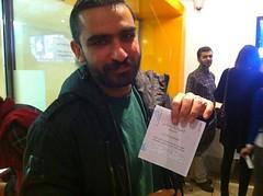 سروش هیچکس با لباس یکدست سبز پای صندوق رای #انتخابات #ایران #iran #election (sabzphoto) Tags: election iran ایران سبز با لباس انتخابات صندوق رای پای سروش هیچکس یکدست