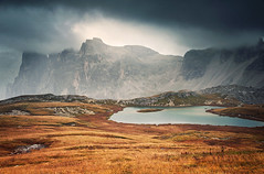 Bdenseen (Youronas) Tags: italien italy mountain lake mountains alps clouds rocks italia alpini alpen mountainlake dolomites dolomiti sdtirol southtyrol dolomiten trecime dreizinnen dreizinnenhtte bdenseen einserkofel