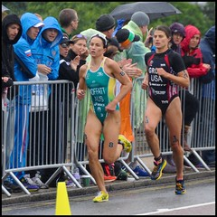 Moffatt takes Groff - DSC_5493a (normko) Tags: world park usa london wet rain bike sport sarah swim championship women emma australia run hyde final rainy elite athlete itu triathlon moffatt groff sportswoman