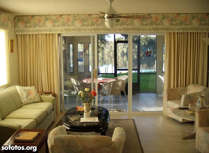 sala de estar decorada com cortina