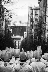 ... Ataque de herriko shemes ... (Lanpernas .) Tags: tamborrada donostia 2014 sansebastian saintsebastien sansebastián 20e fiesta carnaval donostiakoinhauteriak cocineros