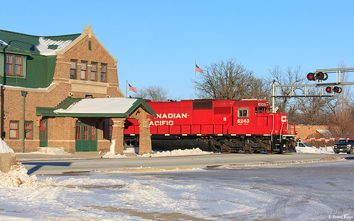 Thief River Falls (MN) United States  city pictures gallery : ... 6243 Departing Past the SOO Line Depot Thief River Falls, Minnesota