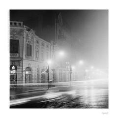 Foggy night (bolas) Tags: street light urban bw 6x6 tlr fog night kodak trix va 400 plus agfa lodz łódź xenar rolleicord duoscan ultrafin