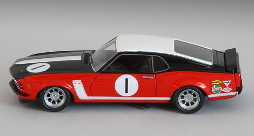 Mustang-fianco-sx