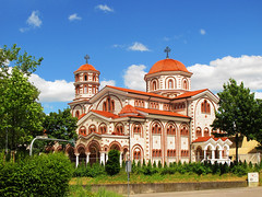 Greek Orthodox Basilica, Esslingen (Batikart) Tags: road street city travel blue trees su