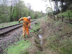Eric clears out the ditch at The Grange 10May14