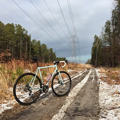 "High voltage!  Just like when I skated ""No Trespassing"" just means there's something good on the other side! #rideinthepines #weavercycleworks #custombicycles"