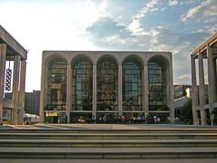 The Met (Troels Roland) Tags: city house newyork opera broadway met metropolitan oper operahus josierobertsonplaza