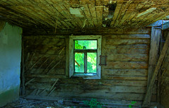 By sobie dom 36 (Hejma (+/- 4400 faves and 1,4 milion views)) Tags: green window village ruin poland polska ruina woodenhouse zielony okno wie wiatocie chairscuro domdrewniany