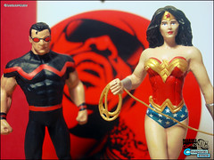 The Wonders... Marvel and DC Super Heroes (Gui Lopes BH) Tags: woman man classic comics wonder miniatures justice stevie mulher statues super collection hero figurine marvel universe figures league avengers magnum miniaturas coleo maravilha eaglemoss guilopesbh