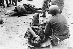 A wounded British lieutenant receives aid from 3rd US Division medics near Uijong-bu, Korea, between 1950 - 1953 [800  542] #HistoryPorn #history #retro http://ift.tt/1TGTddf (Histolines) Tags: from history us near wounded korea retro aid timeline british division 800 3rd 1950 between 1953 lieutenant medics receives uijongbu  542 vinatage a historyporn histolines httpifttt1tgtddf