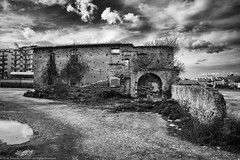 Vecchio rudere (Palmieri Antonio) Tags: guerra bn bianco nero citt tristezza vecchio povert rudere crotone paura abbandonato distruzione