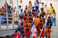 Colors, Indian Railways, Mathura (Fabionik) Tags: india train 2012 mathura indianrailway