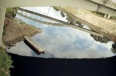 Canon Kodak Proimage-Rio Pinheiros (mlsirac) Tags: rio brasil analgica barco sopaulo cu reflexo riopinheiros kodakproimage100 canoneos3000 zonaoeste