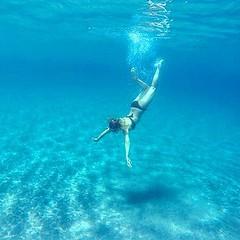 Stamattina bagno a #cavoli #marinadicampo. Chi viene con noi?  scatto di @silvia_cherubini. Continuate a taggare le vostre foto con #isoladelbaapp il tag delle vostre #vacanze all'#isoladelba  http://ift.tt/1NHxzN3 (isoladelbaapp) Tags: rio marina elba porto di campo azzurro portoferraio marciana isoladelba capoliveri visitelba