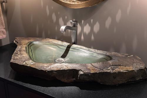 Eliot Condo Bath 003
