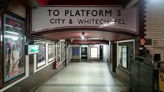 Baker Street station, Marylebone Road, NW1 (Tetramesh) Tags: uk greatbritain england london metro unitedkingdom britain tube londres gb londonunderground londra thetube lu londen londinium lontoo llondon londontransport tfl londone transportforlondon londyn llundain londn  lunnainn londain londono tetramesh londrez  loundres londr lndra