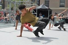 Compagnie Dyptik - D - Construction (c) Henry Krul (5) (Henry Krul) Tags: dance construction outdoor d henry op hip hop dans krul deventer straattheater streettheatre 2016 stelten dyptik