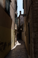 _MG_6018.jpg (location: unknown) Tags: europe structures croatia places infrastructure alleys kroatia hrvatska alleyways ibenik kujat