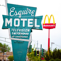 Esquire Motel, Plate 2 (Thomas Hawk) Tags: usa chicago restaurant illinois neon unitedstates unitedstatesofamerica motel fav20 mcdonalds cookcounty chicagoland windycity fav10 esquiremotel