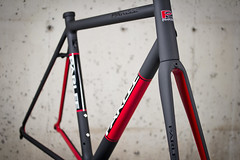 2013 Z5SLi (parleecycles) Tags: red black bicycle cycling paint racing beverly carbon custom fiber velo matte z5 cycles sli parlee massahusetts parleecycles z5i