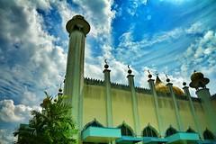 masjid Pekan (Shahrin Photography) Tags: sky minaret dramatic mosque malaysia melayu pahang clould pekan nd8